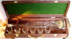 Dárková sada KUFR Puška 500ml + 6x pohárek Spirit 30ml dekor tet